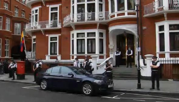 assange ambassade reuters