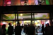 windows café photos paris 7 seven