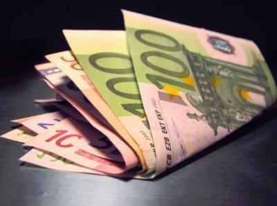argent euro taxe impot